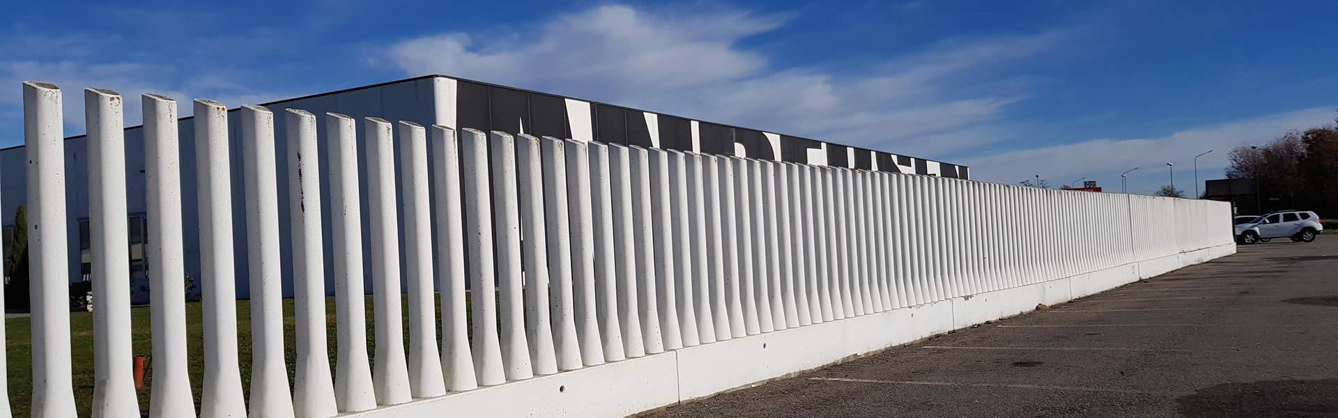 recinzioni in cemento, a pettine, piene e zoccolo